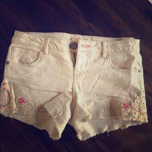 Never worn embroidered denim shorts! Size 9